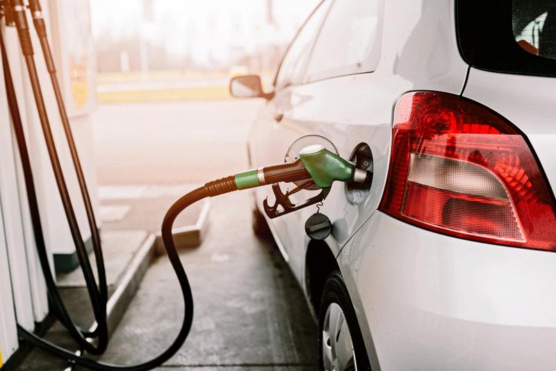Abastecimento de carro com etanol