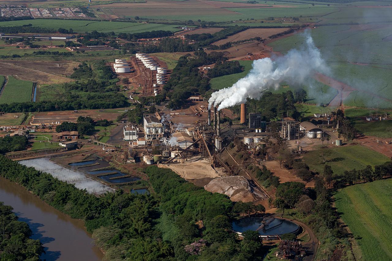 Gestão de indicadores de eficiência energética e ambiental nas usinas Copersucar
